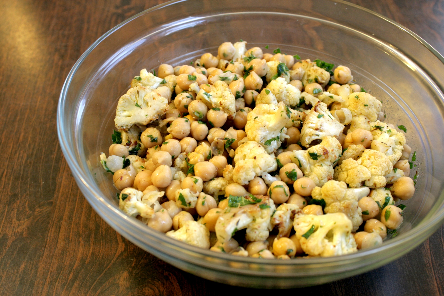 Roasted Cauliflower And Chickpea Salad | Sel Et Sucre