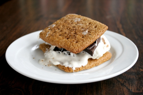 Maple Bacon S'mores (adapted from Kitchen Konfidence )