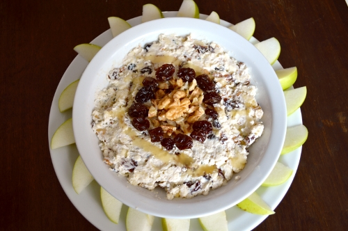 blue cheese walnut and raisin dip